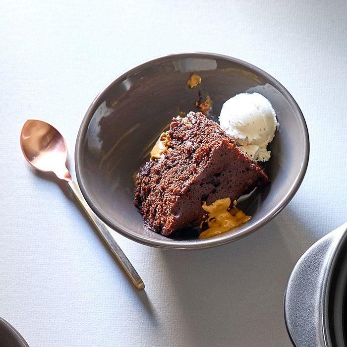 chocolate-peanut-butter-lava-cake.jpg