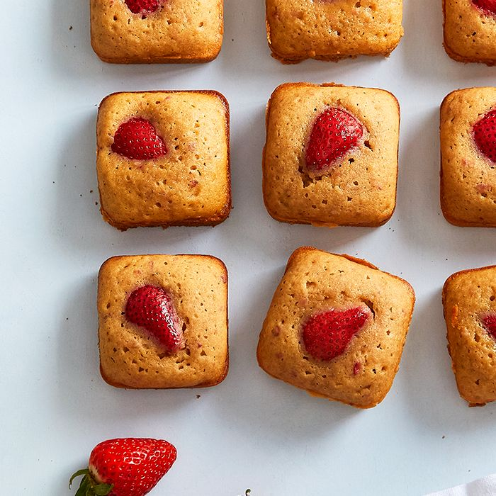 strawberry-blondies.jpg